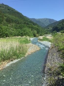 寄から中津川.JPG