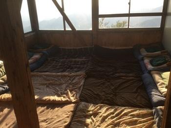 尊仏山荘寝室.JPG