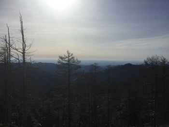 雲取山山頂から都内方面.JPG